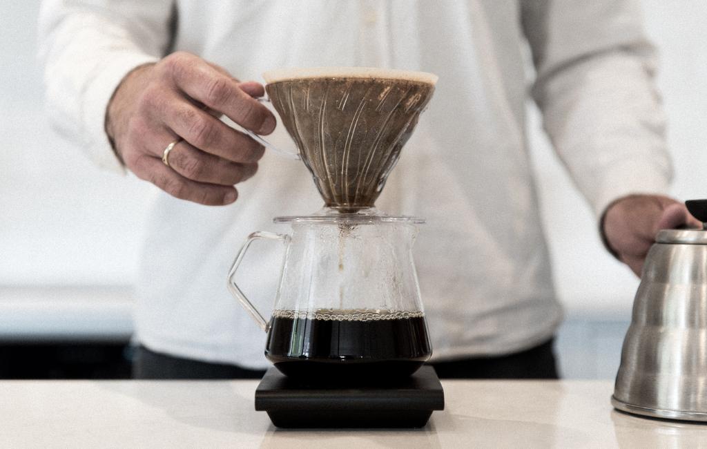 Kinto Coffee Server and V60 Brewer